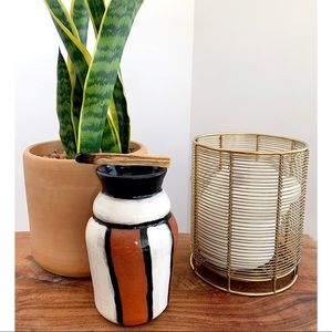 Other - Gold toned wire candle holder
